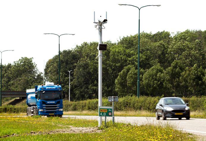 Voordat de trajectcontrole op de Zuilense Ring daadwerkelijk van start gaat, zullen automobilisten met borden gewaarschuwd worden.