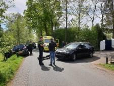 Vrouw belandt met auto in berm in Hoevelaken