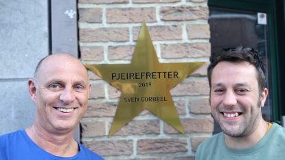 """Eerste twee gouden sterren voor pjeirefretters: """"Ze hadden ons naar de receptie gelokt met een smoes.  We zijn erg trots!"""""""