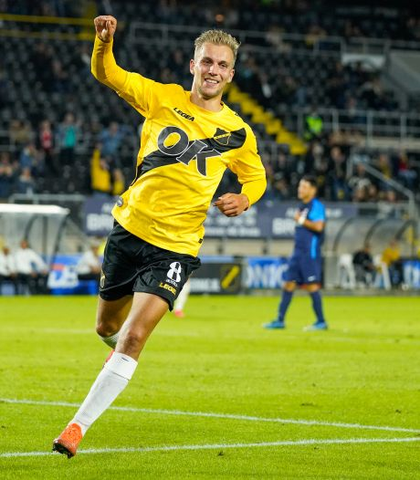 Scorende spits Stokkers: 'Als ik het vertrouwen beloon met goals, dan kan de trainer niet om mij heen'