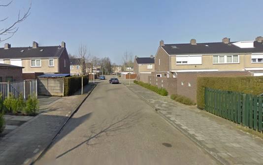 Het meisje werd ter hoogte van de Maastrichtstraat in Weert in een witte auto meegenomen.