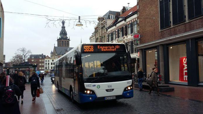 Lijn 58, ofwel de Duitse bus.