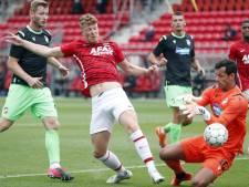 Druijf redt AZ weer in Europese wedstrijd: 'Natuurlijk ga ik liggen als ik word aangeraakt'