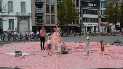 Elektrische fietsen uittesten of picknicken op de Grote Markt tijdens 'Week van de Mobiliteit'