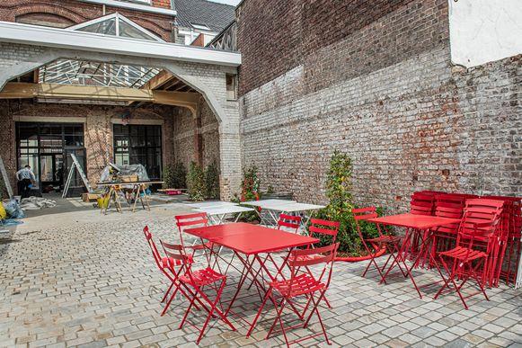 Brasserie De Gilde heeft ook een terras achteraan.