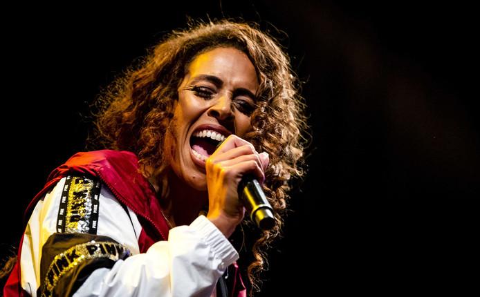 Glennis Grace tijdens haar optreden, zaterdag in Woerden.