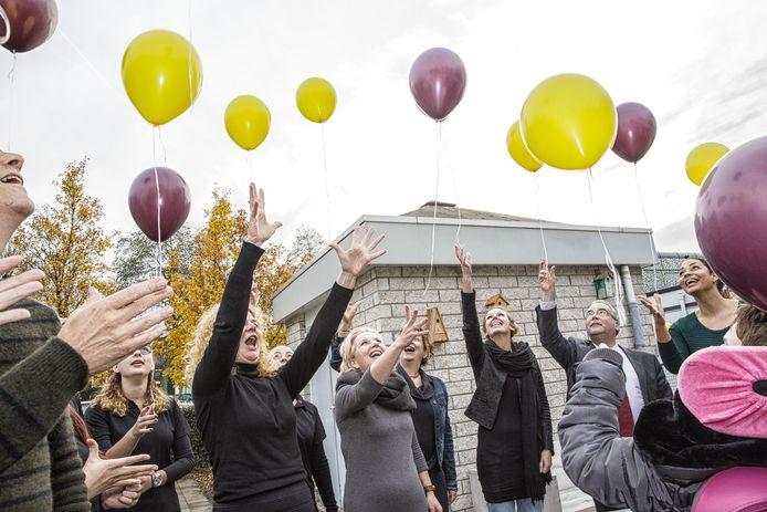 De opening van het Wijkbedrijf Goes-Zuid in 2016, toen ballonnen oplaten nog mocht in de gemeente Goes.