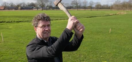 Diepenheim heeft met axe-throwing primeur in het oosten: darten met een bijl