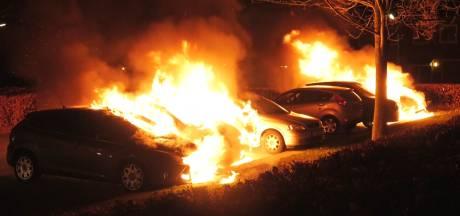 Nijmegen wordt geteisterd door autobranden: vannacht gingen er 6 in vlammen op
