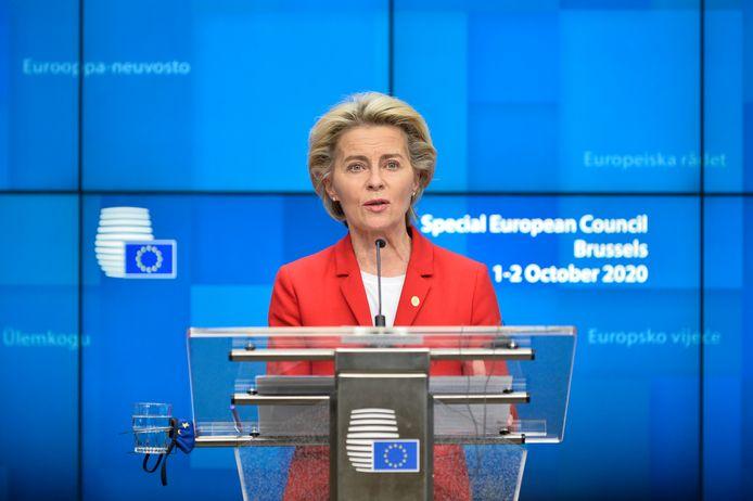Voorzitter van de Europese Commissie Ursula Von der Leyen tijdens de persconferentie na afloop van de vergadering op donderdagnacht. (02/10/2020)