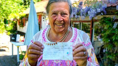 Toeval bestaat niet: Jeannine (81) vindt ballon van afgelast communiefeest Gaston (8) in haar tuin, 75 jaar nadat haar eigen communiefeest werd afgelast