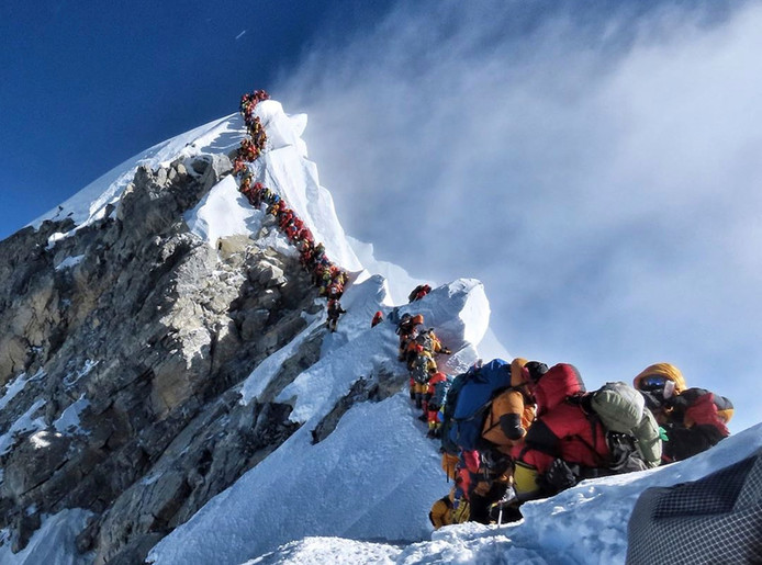 Filevorming op de Mount Everest.