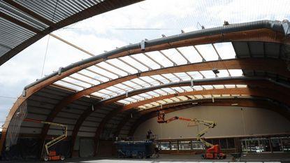 Renovatie dak sporthal met maand vertraging gestart