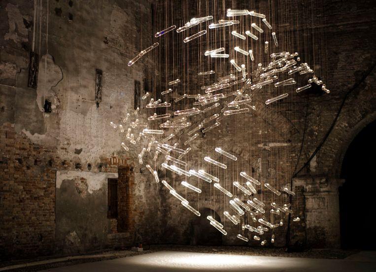 Flylight, Arsenale Venice (2014). Beeld RV - Carpenters Workshop Gallery