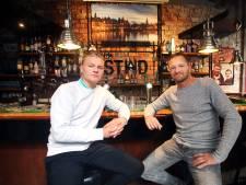 Café-eigenaar en Quick-doelman Jari Puister heeft even niets om handen: 'Grote oefening in afwachten'