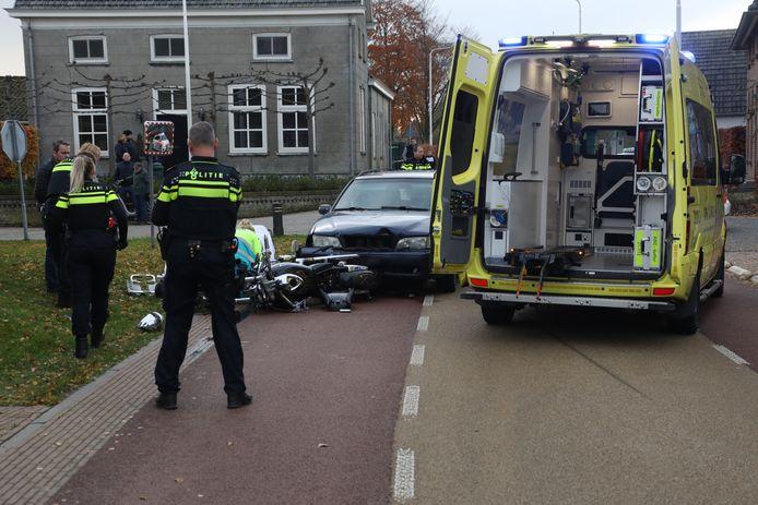 Motorrijder gewond bij frontale botsing met auto in Lith
