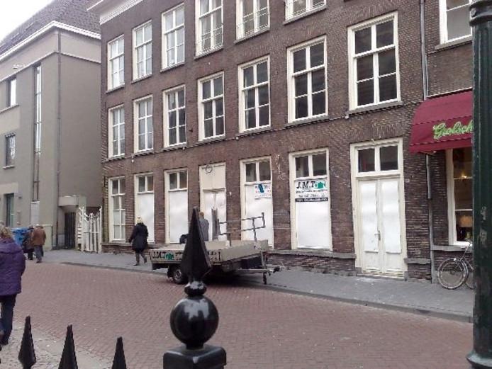 Rijksmonument La Mère gaat aan de Torenstraat komend voorjaar open als café-restaurant Mère Den Oetel. Foto Robèrt van Lith/BD