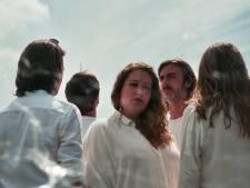 """Hernieuwde band momoyo brengt debuutalbum uit: """"Met dit album hebben we nooit opgetreden"""""""