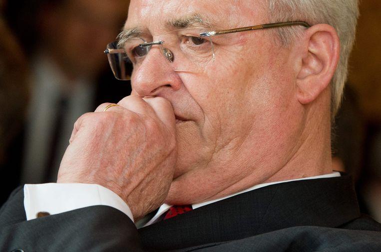 De woensdag opgestapte Volkswagen-topman Martin Winterkorn. Naar verwachting zullen de komende dagen nog meer koppen rollen bij het Duitse autoconcern. Beeld EPA