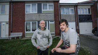 """Vader Johan en zoon Kevin worden uit sociale woning gezet: """"Huren op privémarkt is te duur. Vrijdag staan we gewoon op straat"""""""