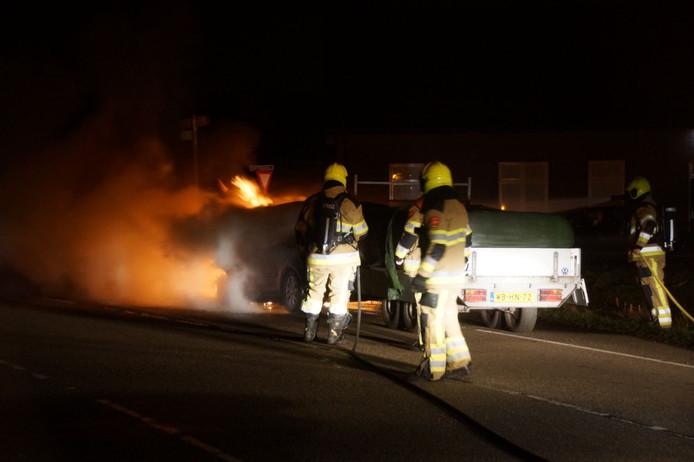 Auto in brand in Bergharen.