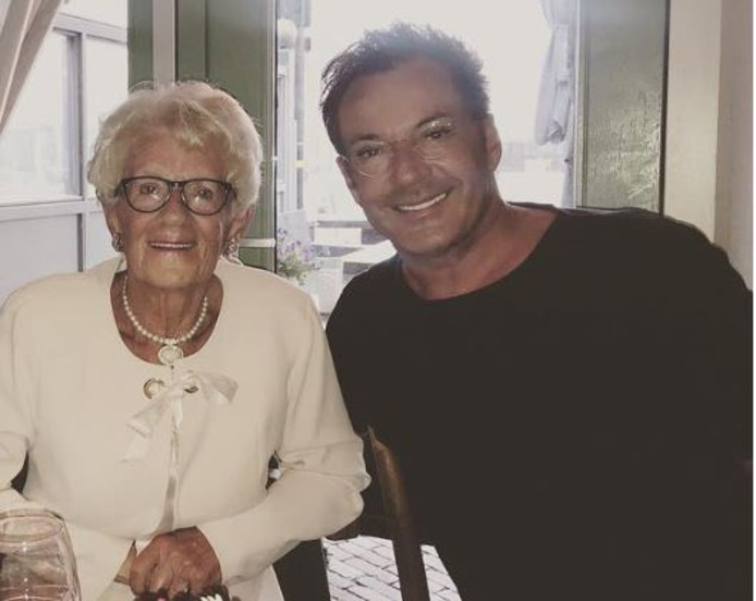 Gerard Joling en zijn moeder Janny.