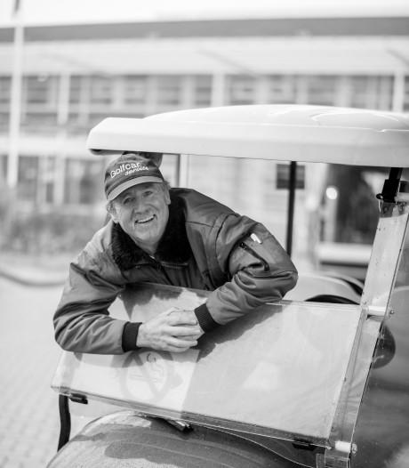 """Mister Golfkar rijdt mensen naar Ziekenhuis Rivierenland: ,,Die kar is gewoon mijn kindje"""""""