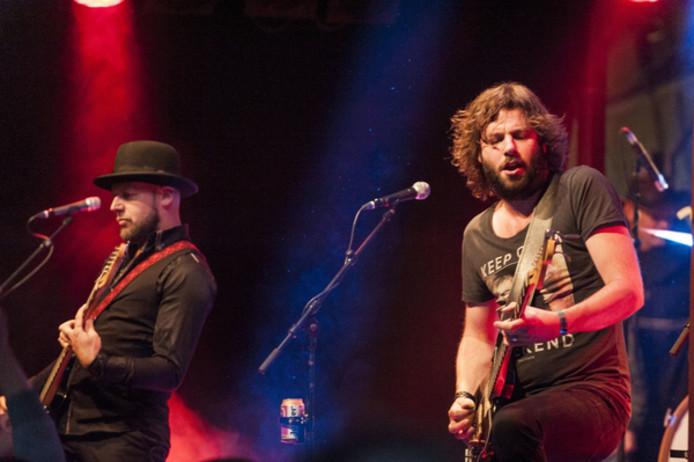 Bökkers, met rechts zanger Hendrik Jan Bökkers, treedt dit jaar voor het eert niet op de Larense kermis op.