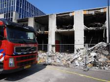 Brandweer nog steeds druk met blussen van pand in Rijswijk