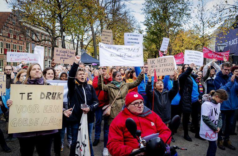 Deelnemers tijdens de onderwijsstaking van Leraren in Actie in Den Haag.  Beeld ANP