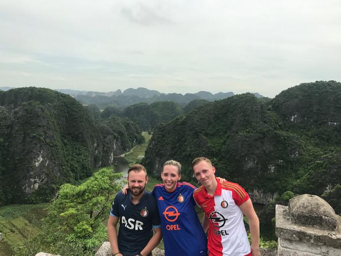 Niet een, niet twee, nee drie keer Feyenoord. In Ninh Binh Vietnam, zegt Guy de Klerk.
