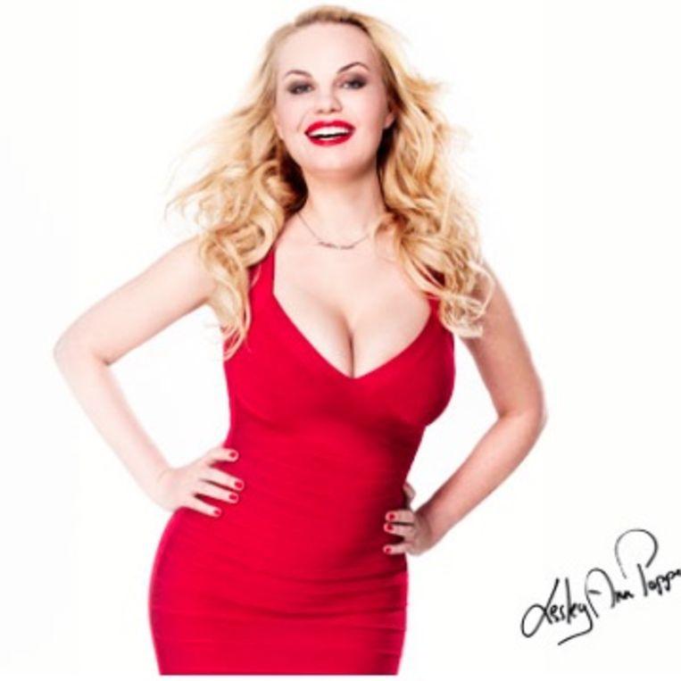 Lesley-Ann Poppe prijkte vorig jaar met deze foto op de affiches van Star Casino, met bijschrift 'dubbele bonussen'.
