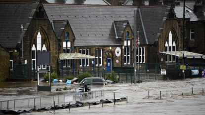 Winterstorm Ciara geselt ook Britse eilanden, hele dorpen overstroomd