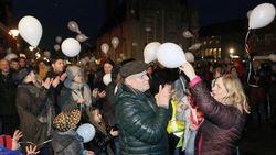 Eleanore herdacht met ballonnen en doedelzakken