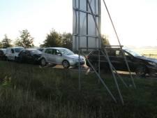 Vijf auto's betrokken bij kop-staartbotsing in Wierden