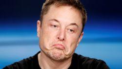 """Elon Musk: """"Ik werk tot 120 uur per week. Zonder slaapmiddel doe ik vaak geen oog dicht. En het ergste moet nog komen"""""""
