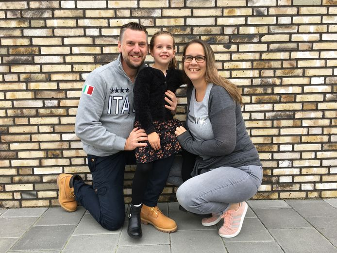 De familie Vellekate: Martijn, Kim en dochter Charlotte (5).