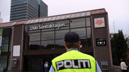 Man en vrouw stelen ambulance en rijdt mensen aan in Oslo, verschillende gewonden