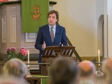 Burgemeester René Verhulst leidt kerkdienst in Wilhelminadorp
