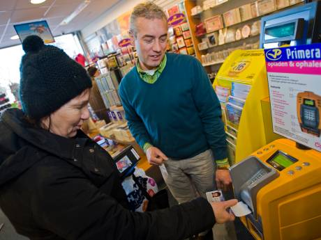 Connexxion wil oplaadautomaten chipkaart vervangen voor 'thuisservice'