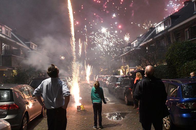 Nieuwjaarsnacht in Rotterdam.  Beeld Foto Peter Hilz / Hollandse Hoogte