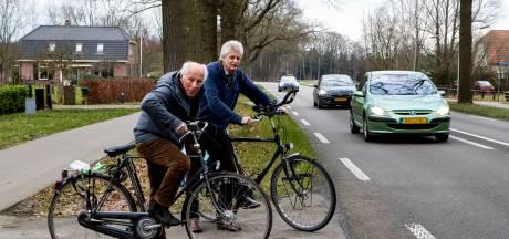 Aanwonenden vragen om snelheidsverlaging op de Zutphenseweg bij Vorden: 'Twee auto's gingen weer total loss'