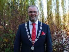 Burgemeester schrikt van besmettingen bij fruitbedrijven: 'Weer met beide benen op de grond'