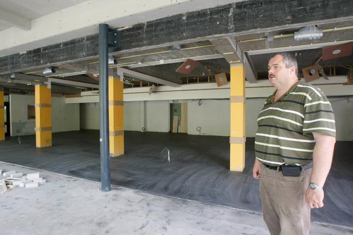 Directeureigenaar Jaap Venendaal van hotel en congrescentrum de Hof van Wageningen in het restaurant EatCetera in aanbouw.