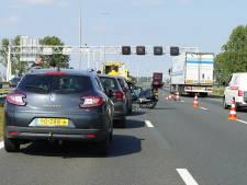 Drie ongelukken in avondspits: flinke vertraging op A1 van Apeldoorn richting Twente