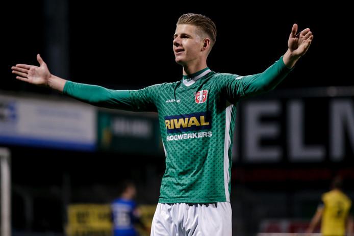 Thomas Schalekamp viert zijn goal.
