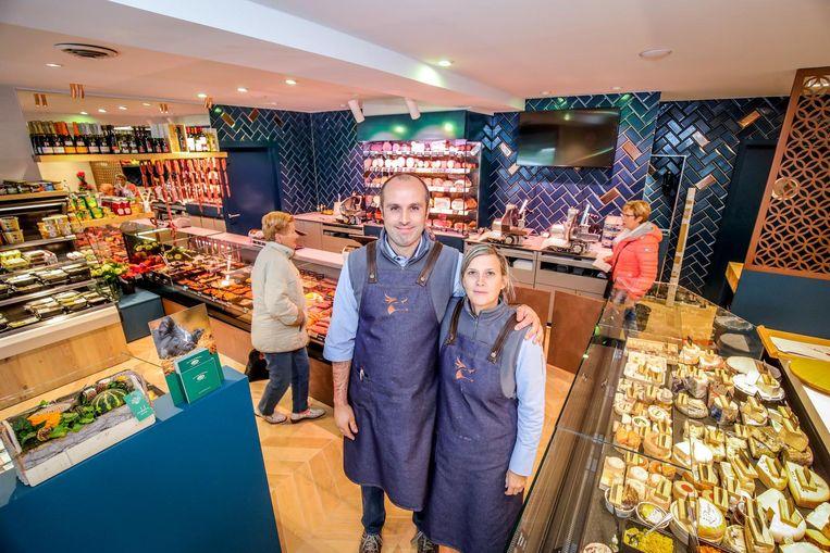 Kristof Ranson en echtgenote Valerie Derdaele, die een opleiding kaasmeester heeft gevolgd.