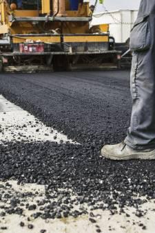 Turkeyeweg bij IJzendijke dicht voor aanleg duurzaam asfalt