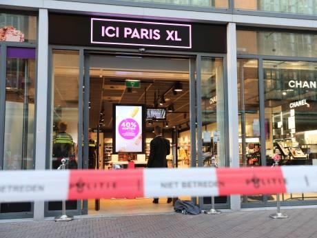 Verdachte verliest veel bloed bij poging Haagse parfumerie te bestelen