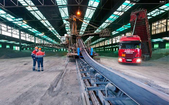 De zinkfabriek van Nyrstar in Budel.